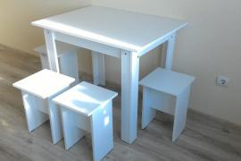 Кухонный стол + 4 табурета , все новое