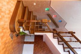 Лестницы двери мебель