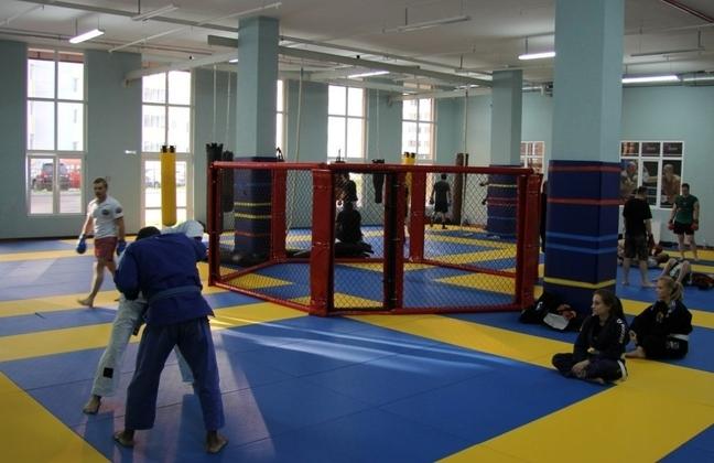 Академия боевых искусств на улице Горького