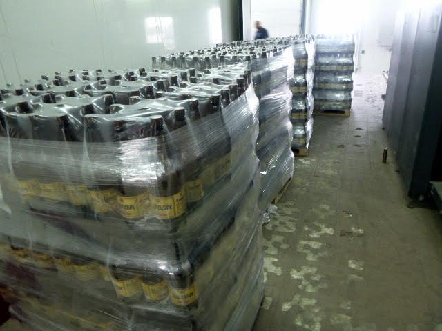 Накалининградской границе задержали 2,6 тонны смоленского пива