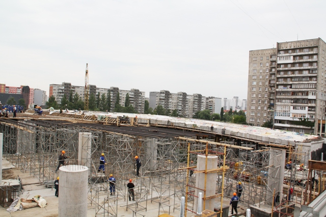Правительство области рассчитывает открыть движение по Второй эстакаде к концу 2011 года.