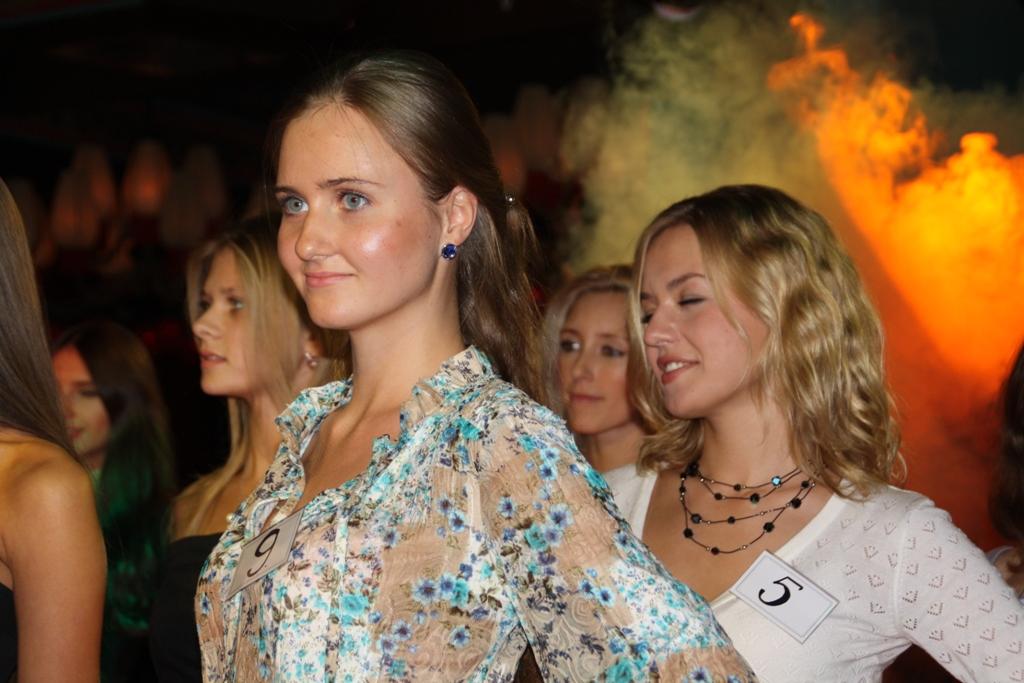 В финал конкурса красоты Мисс Калининград 2011 вышли 20 девушек (фото, виде