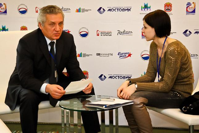 http://kaliningrad.ru/media/k2/galleries/18554/78forum-9103.jpg