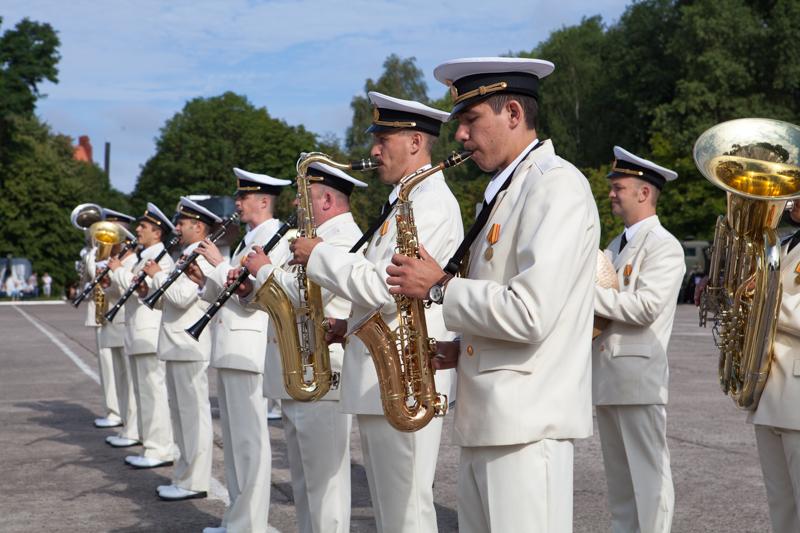 Путин вДень ВМФ примет парад военных кораблей Балтийской флотилии