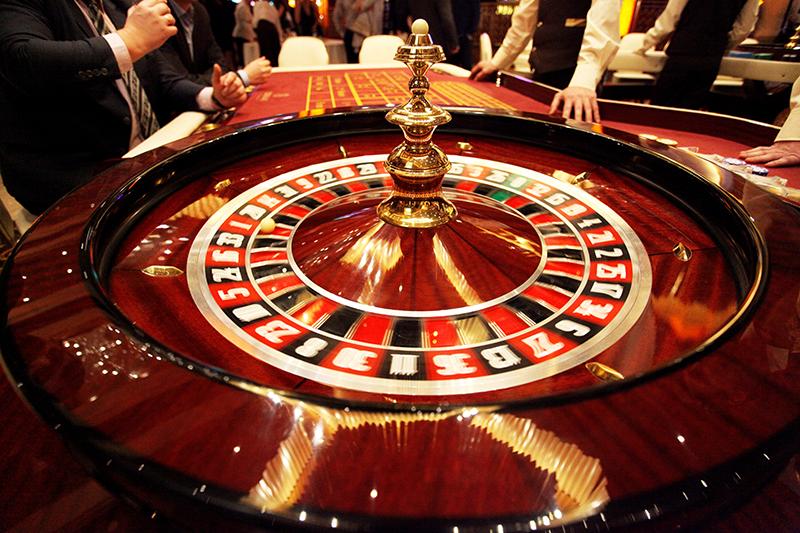 Первое казино в калининграде играть в карты душу тянуть