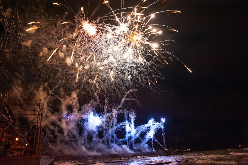 фото с фестиваля фейерверков в зеленоградске скажем без
