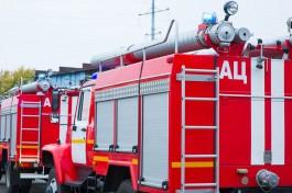 На улице Тельмана в Калининграде ночью сгорел «Ягуар»