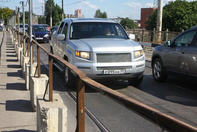 Движение транспорта по мосту на ул. Суворова в Калининграде закроют с 6 февраля
