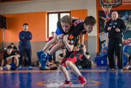 «Майки и наставления»: в Калининграде прошла акция молодёжного фонда спортивной борьбы