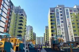 В Калининграде жителям аварийных домов вручили ключи от новых квартир