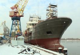 На заводе «Янтарь» начали швартовые испытания траулера для Камчатского края