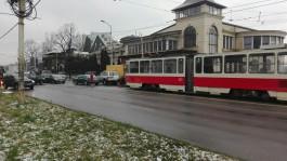 Из-за двойного ДТП в центре Калининграда встали трамваи