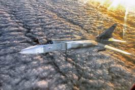 Лётчики Балтфлота провели ночную дозаправку истребителей и бомбардировщиков в воздухе