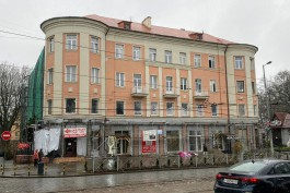 На проспекте Мира завершают ремонт фасада калининградской Бастилии