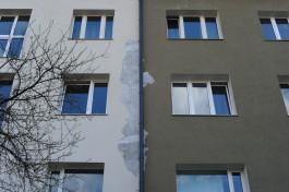 В Калининграде осыпается штукатурка с отремонтированных домов на Ленинском проспекте