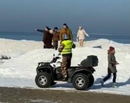 «Покиньте лёд»: как спасатели патрулируют зеленоградское побережье