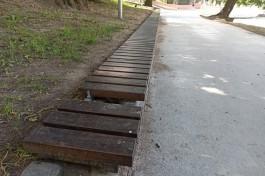 На Нижнем озере в Калининграде сломали новые сиденья