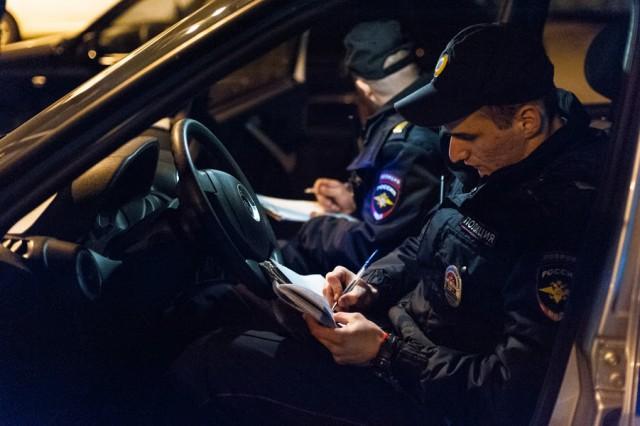 Полиция разогнала сбор клуба любителей БМВ и дискотеку у здания правительства в Калининграде