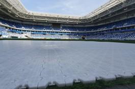 На стадионе «Калининград» провели пробную укладку покрытия для концерта «Ленинграда»