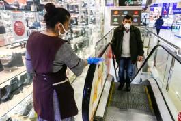 «Шопинг с закрытыми лицами»: как работает масочный режим в открывшихся торговых центрах Калининграда
