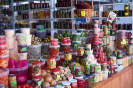 СМИ: Россияне тратят на еду почти 40% своих доходов