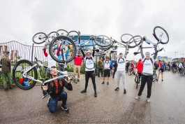 «Рассекая лужи»: XXXI велопробег «Тур-де-Кранц» собрал около 7000 человек