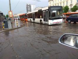 Власти рассказали, почему в Калининграде затапливает Ленинский проспект
