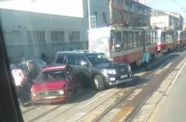 На Советском проспекте в Калининграде из-за ДТП встали трамваи