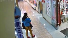 Молодая женщина похитила из магазина в Калининграде норковую шубу