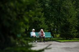 В трёх скверах Калининграда появятся новые скамейки и урны