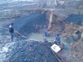 В Зеленоградском округе задержали 11 чёрных копателей с насосами и лопатами