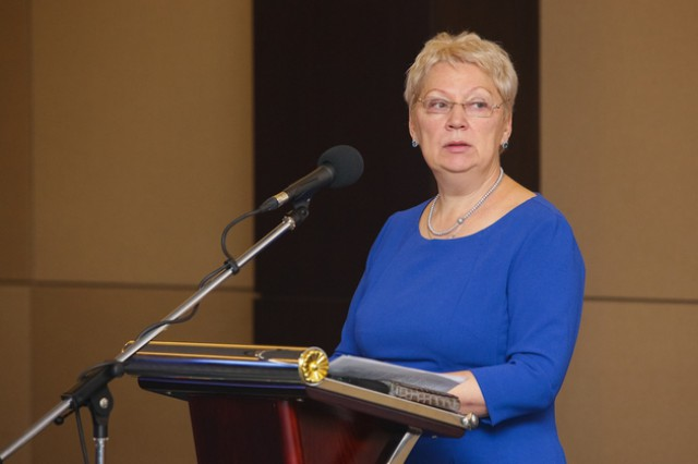 Министр Васильева предложила вернуть письменные вступительные экзамены ввузы