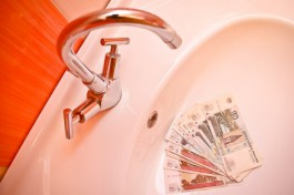 После установки счётчика горячая вода для жильцов дома в Чкаловске подорожала почти в три раза