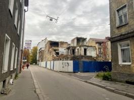 Мэрия Калининграда продаёт «БалтАвтоЛайну» участок и аварийный дом за Кройц-аптекой