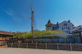 В Зеленоградске разобрали кафе в виде корабля для строительства велодорожки вдоль побережья