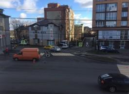 «Шумовые полосы и светофор»: улицу Горького решили обезопасить после ДТП с матерью и ребёнком на переходе