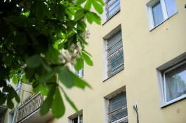 На улице Озёрной в Калининграде двухлетний ребёнок погиб после падения из окна пятого этажа