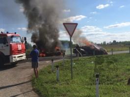 Под Черняховском при столкновении загорелись «Ауди» и «Газель»: один человек погиб, двое — в больнице