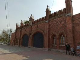 «Сделаем самые красивые ворота Калининграда»: музей попросил у мэрии 4 млн рублей на дубовые двери