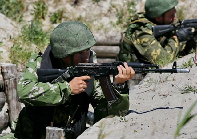 Морские пехотинцыБФ отразили высадку морского десанта условного противника