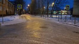 Почему в Калининграде не чистят пешеходные переходы у школ?