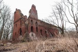 «Руины руин»: что осталось от замка Бальга на берегу Калининградского залива