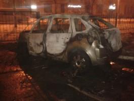 На улице Батальной в Калининграде сгорел «Ситроен»