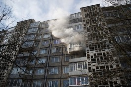 На улице Кутаисской в Калининграде загорелся стол на балконе: пострадал мужчина