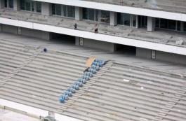 На стадионе к ЧМ-2018 в Калининграде начали устанавливать кресла