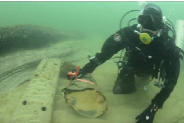 Археологи опубликовали видео таинственного поселения людей вморе