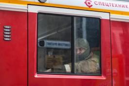 Пожарные спасли трёх человек из горящей квартиры в Гурьевске