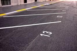 Власти обустроят более 100 парковок для родителей у школы на улице Аксакова в Калининграде