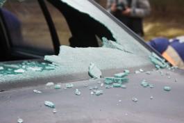 «Загораживал вид из окна»: калининградец разбил окно и залил чернилами соседский автомобиль