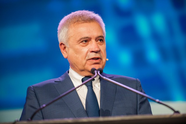 «Лукойл» завершил программу модернизации нефтеперерабатывающих заводов— Алекперов